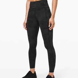 LULULEMON FAST & FREE LEGGINGS (black camo) SIZE 4